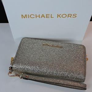🆕️🎁Beautiful Michael Kors Gold Wallet/Wristlet